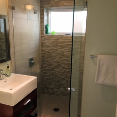 Casitas Guest Shower